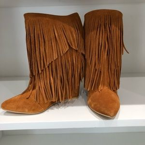 Shoes - Genuine leather boots. The color is a dark orange